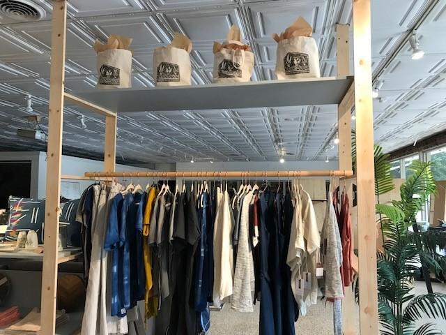 pamut clothing rack